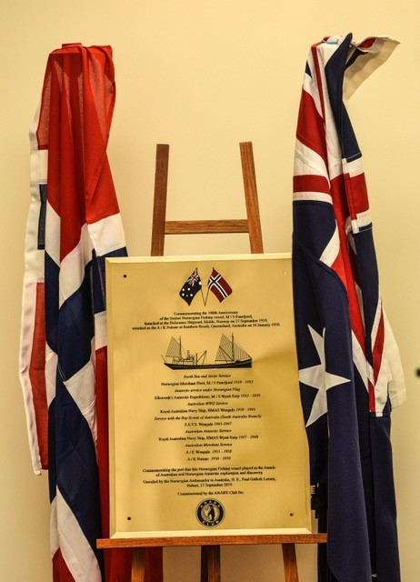 100th Anniversary Wyatt Earp Plaque presented to the Maritime Museum of Tasmania
